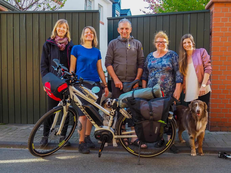 Mit dem Fahrrad und Hund durch Europa – Achim, der kreative Mainzer, der mir einen neuen Gepäckträger auf meinen Hundeanhänger baute